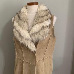 Chico's Size M Vest W/ Faux Fur Trim